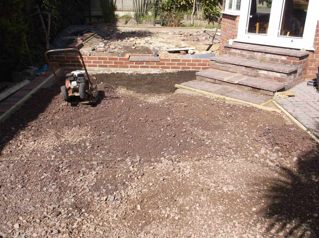 Artificial-Grass-Driveways-Patios-Paving-Garden-Maintenance-Landscaping-Fencing-Sunshine-Gardens-Christchurch-Dorset-3