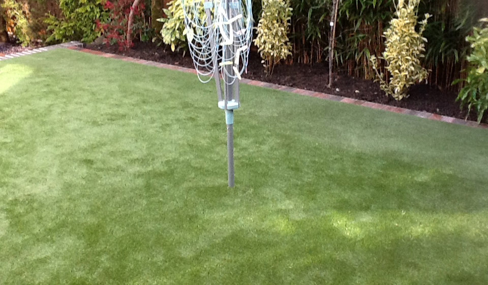 Artificial-Grass-Driveways-Patios-Paving-Garden-Maintenance-Landscaping-Fencing-Sunshine-Gardens-Christchurch-Dorset-4