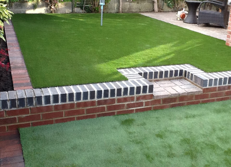 Artificial-Grass-Driveways-Patios-Paving-Garden-Maintenance-Landscaping-Fencing-Sunshine-Gardens-Christchurch-Dorset-5