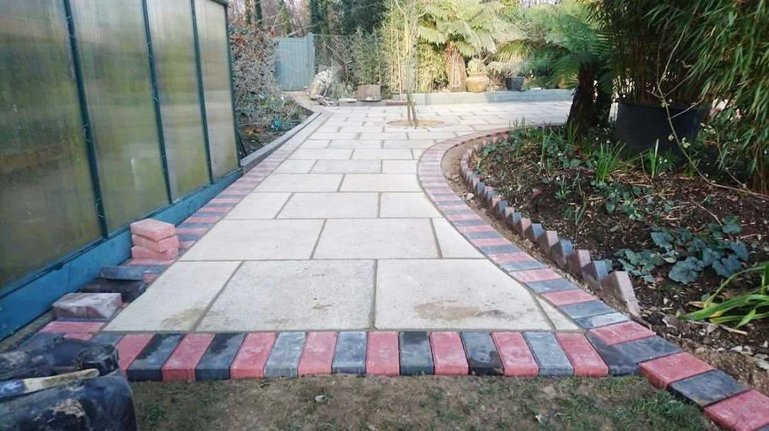 Driveways-Patios-Paving-Garden-Maintenance-Landscaping-Fencing-Sunshine-Gardens-Christchurch-Dorset-3